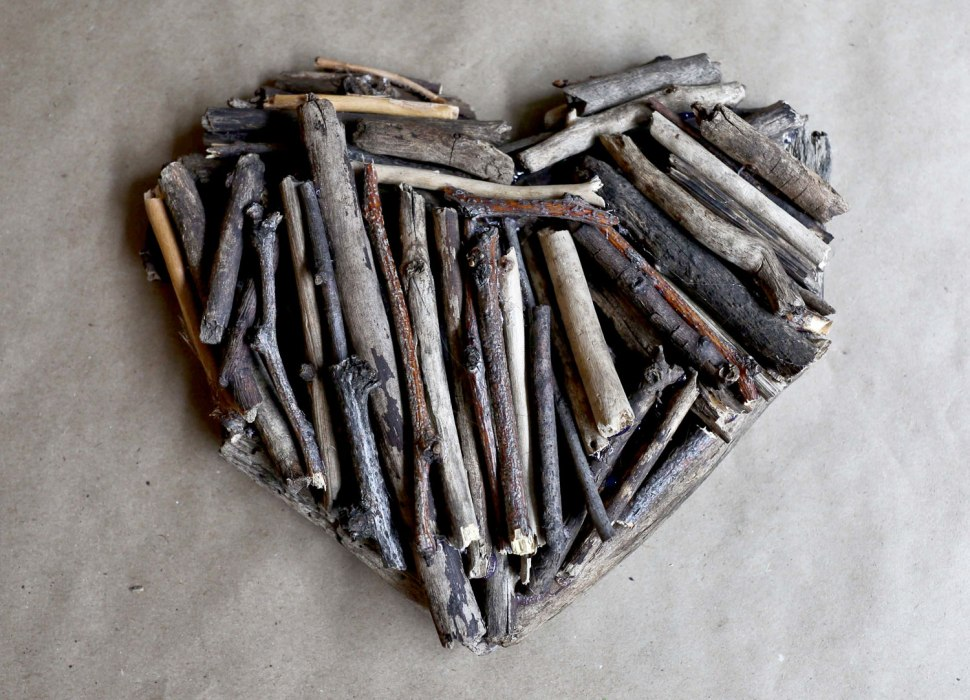 DIY Driftwood Heart / Crafted in Carhartt