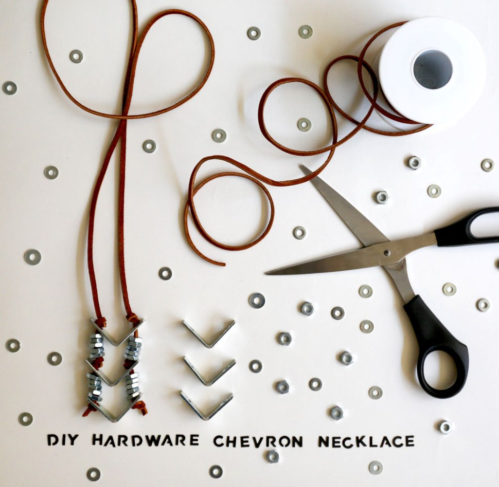 DIYchevronNECKLACE1